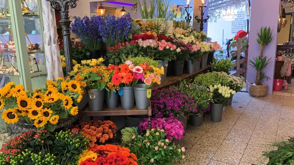 Like onze Facebook pagina bloemsierkunst Abby Lempers